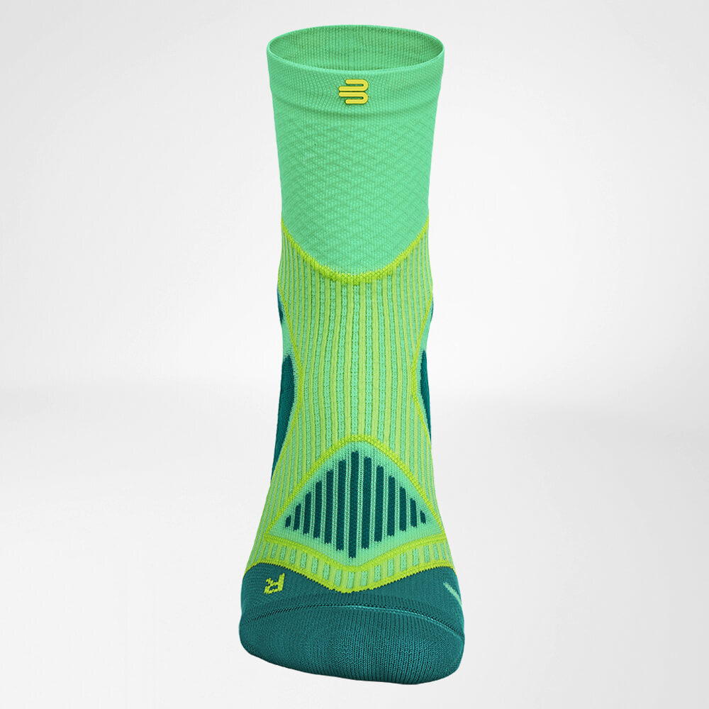 Mid-Cut-Socks_Outdoor-green_Bauerfeind-Sports.jpg